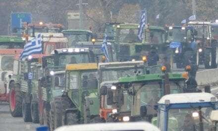 Κάτω τα χέρια από τους αγωνιζόμενους αγρότες. <br> <span style='color:#777;font-size:16px;'>Όχι στα αγροτοδικεία της κυβέρνησης ΣΥΡΙΖΑ</span>