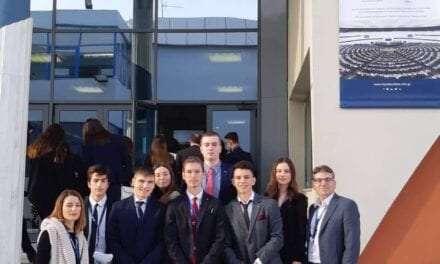 Διακρίσεις μαθητών του ΑΞΙΟΝ στην Προσομοίωση Ολομέλειας Ευρωπαϊκού Κοινοβουλίου