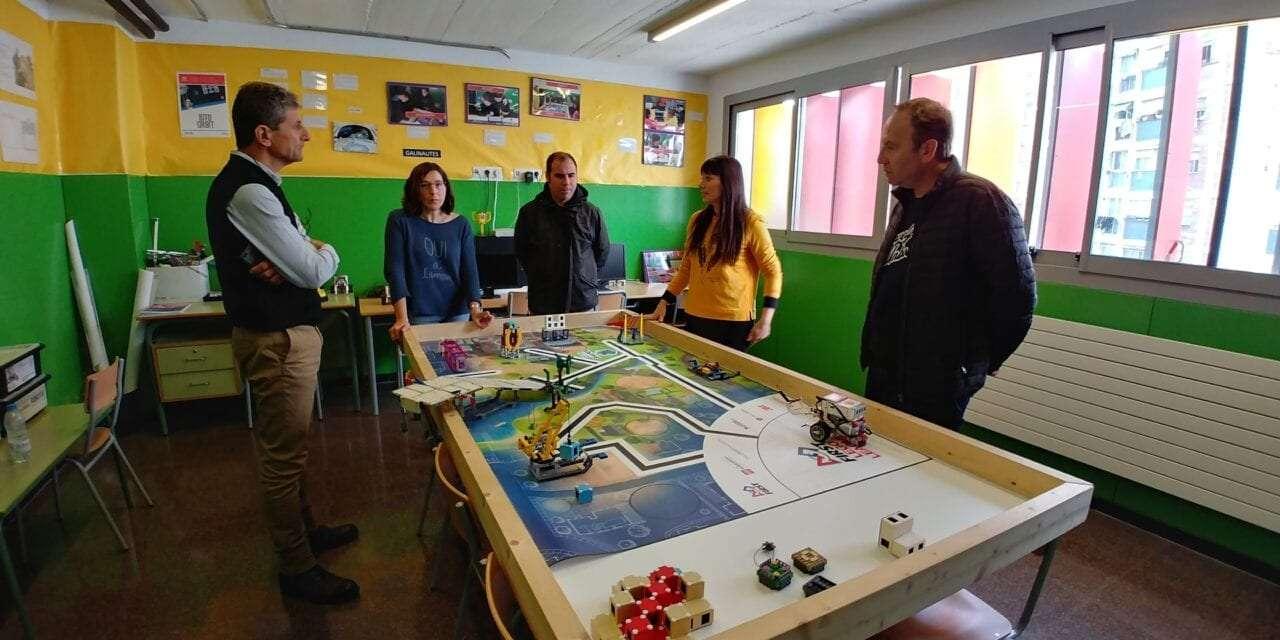 """Εκπαιδευτικοί του δημοτικού σχολείου Αβδήρων σε σχολείο της Βαρκελώνης <br> <span style='color:#777;font-size:16px;'>""""Μαθαίνοντας από την ευρωπαϊκή εμπειρία, σχεδιάζουμε το σχολείο του μέλλοντος""""</span>"""